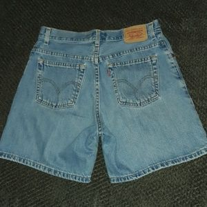 Levi's Classic Fit Jean Shorts! MOM JEANS! Size 10